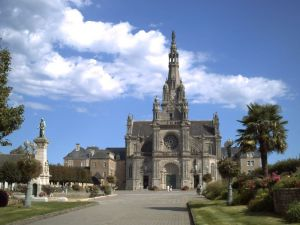 basilique_sainte_anne_dauray