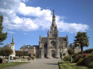 basilique_sainte_anne_dauray